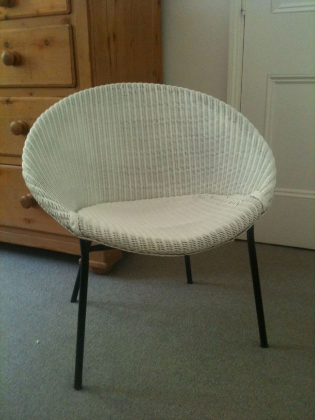 lloyd loom chair is back carefullycurated uk. Black Bedroom Furniture Sets. Home Design Ideas